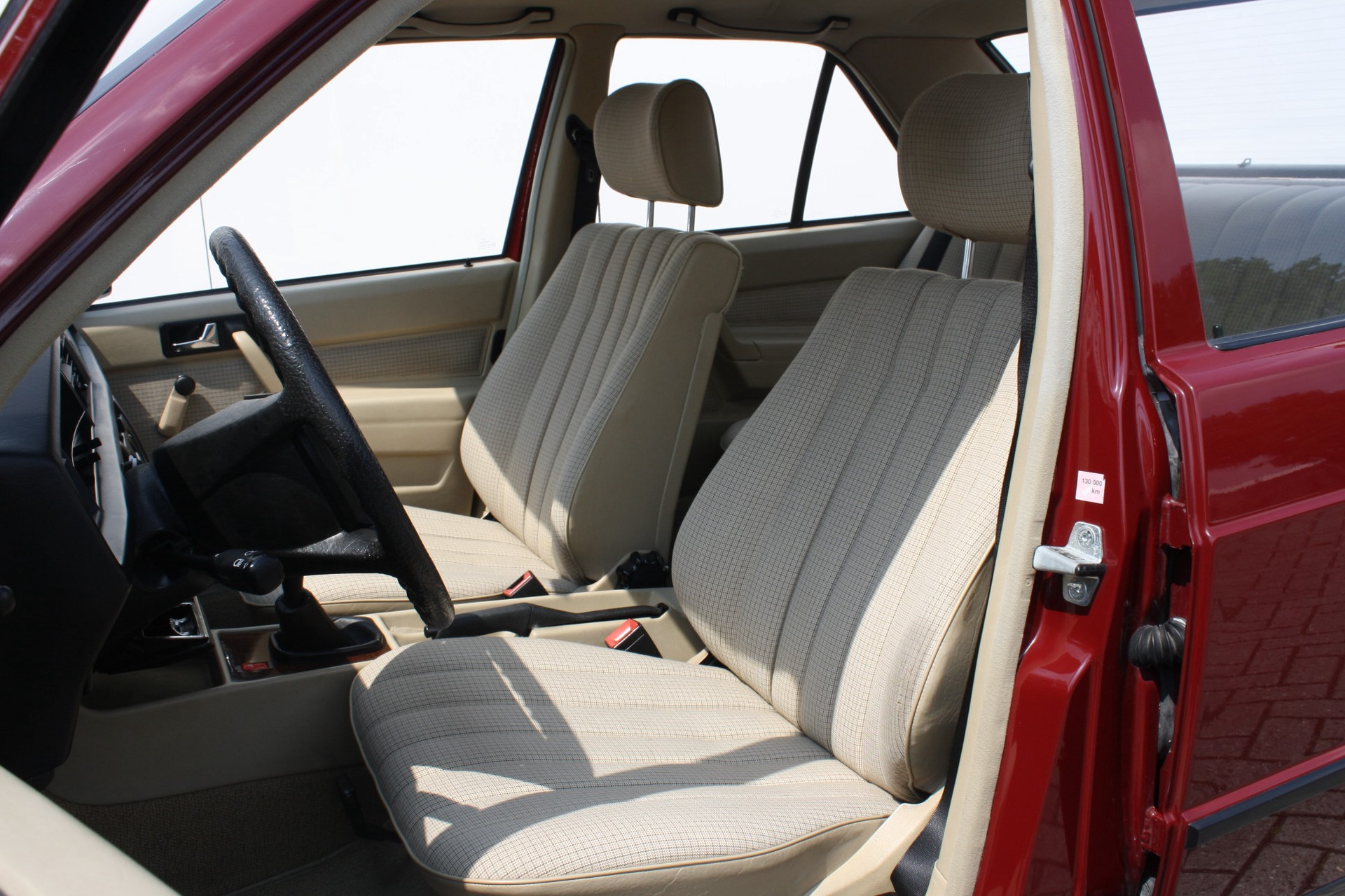 Mercedes-Benz 190 2.0 D maar 136000 km! Foto 5