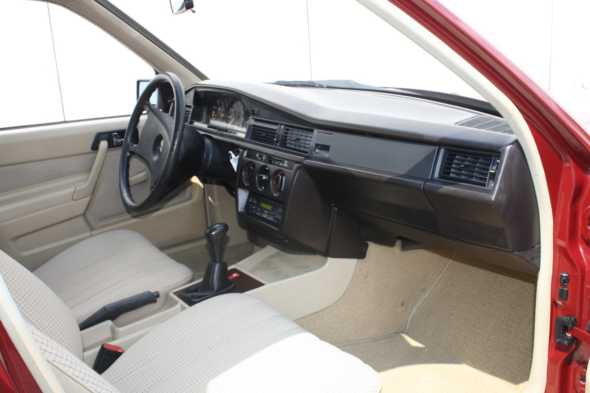 Mercedes-Benz 190 2.0 D maar 136000 km! Foto 7