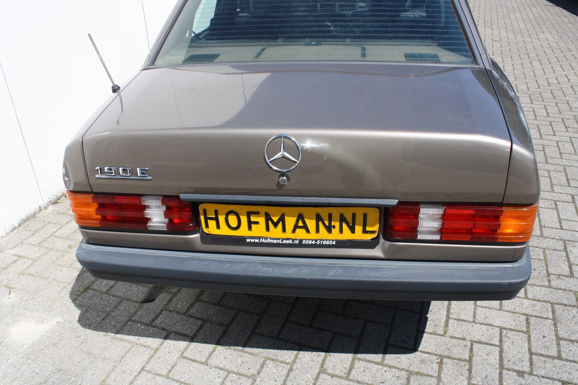 Mercedes-Benz 190 2.0 E Foto 10