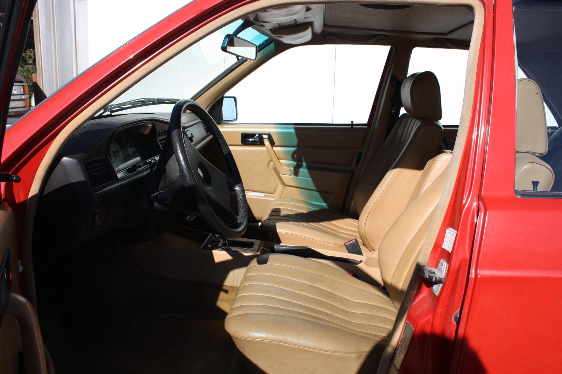 Mercedes-Benz 190 2.2 D Foto 5