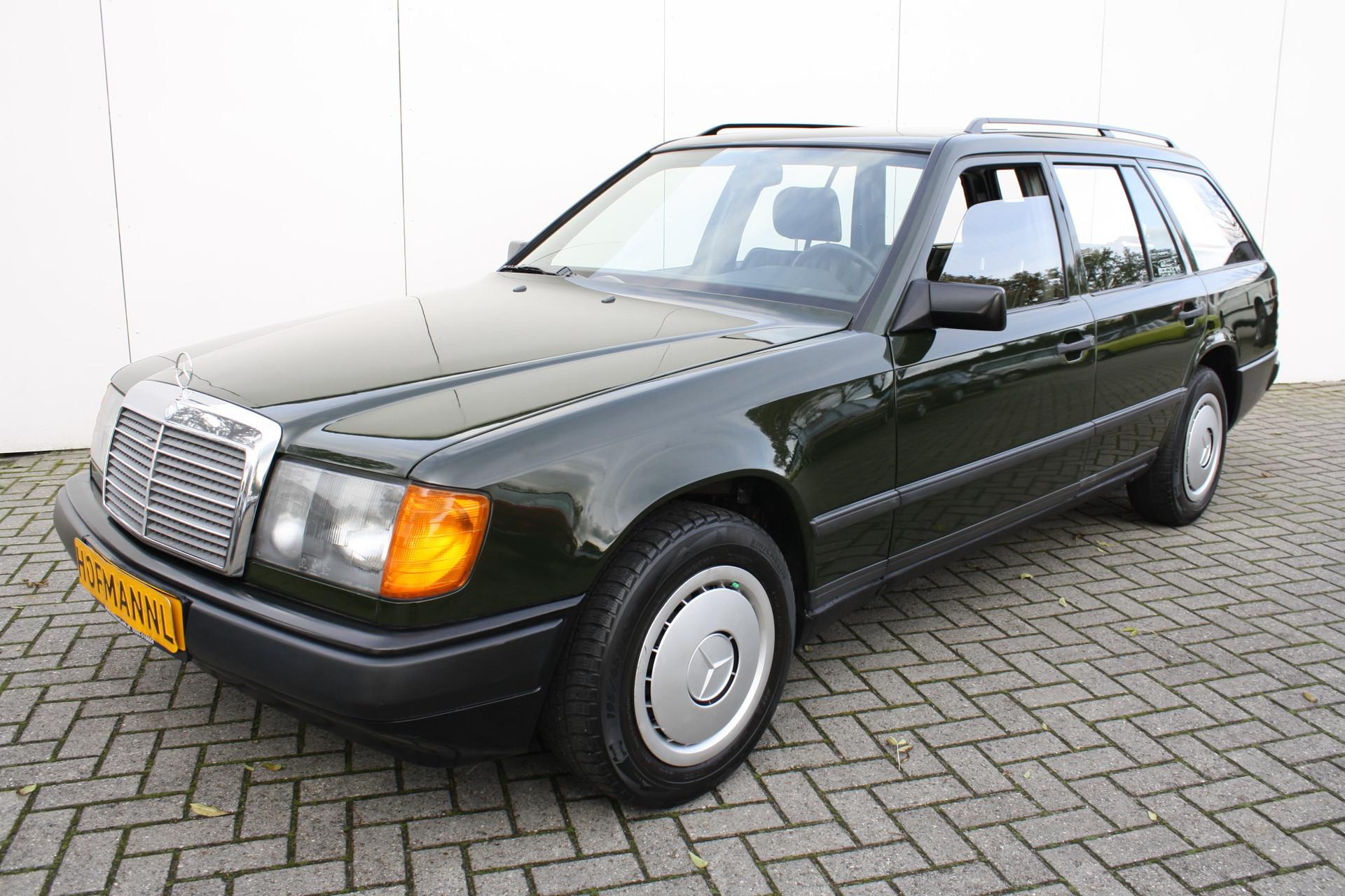 Mercedes-Benz 200-serie 230 TE Foto 1