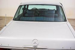 Mercedes-Benz 200-serie 240 D thumbnail 31