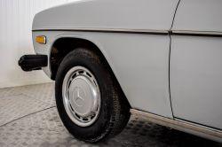Mercedes-Benz 200-serie 240 D thumbnail 33