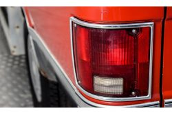 Chevrolet Silverado Suburban thumbnail 17