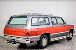Chevrolet Silverado Suburban thumbnail 2