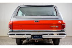 Chevrolet Silverado Suburban thumbnail 4