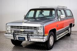 Chevrolet Silverado Suburban thumbnail 9
