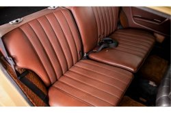 Mercedes-Benz 200-serie 300 TD Automaat thumbnail 10