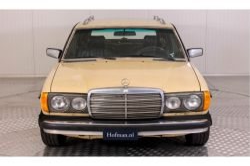 Mercedes-Benz 200-serie 300 TD Automaat thumbnail 3