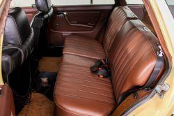 Mercedes-Benz 200-serie 300 TD Automaat thumbnail 6