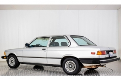 BMW 3 Serie 320i thumbnail 23