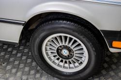 BMW 3 Serie 320i thumbnail 45