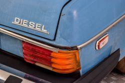 Mercedes-Benz 200-serie 300D thumbnail 16