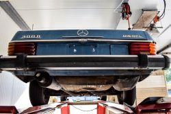 Mercedes-Benz 200-serie 300D thumbnail 53