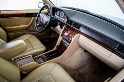 Mercedes-Benz 200-serie 400 E V8 thumbnail 12