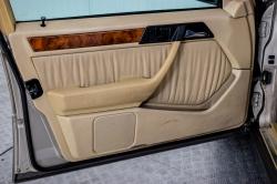 Mercedes-Benz 200-serie 400 E V8 thumbnail 13