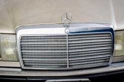 Mercedes-Benz 200-serie 400 E V8 thumbnail 30