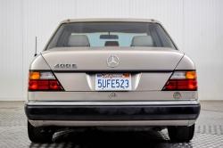 Mercedes-Benz 200-serie 400 E V8 thumbnail 4
