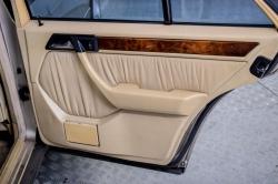 Mercedes-Benz 200-serie 400 E V8 thumbnail 44