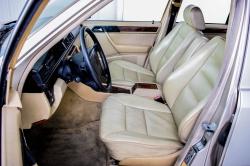 Mercedes-Benz 200-serie 400 E V8 thumbnail 6