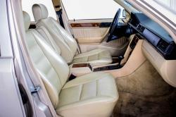 Mercedes-Benz 200-serie 400 E V8 thumbnail 7