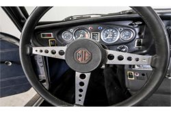 MG B 1.8 GT overdrive thumbnail 21