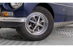 MG B 1.8 GT overdrive thumbnail 4
