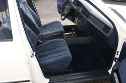Mercedes-Benz 190 2.0 E thumbnail 3