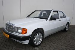 Mercedes-Benz 190 2.0 E automaat thumbnail 9