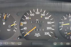 Mercedes-Benz 200-serie 300 D thumbnail 8