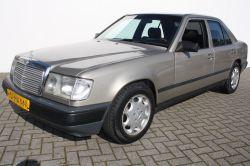 Mercedes-Benz 200-serie 300 E thumbnail 1