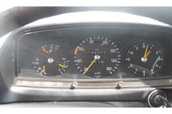 Mercedes-Benz 200-serie 200 D 2.0 thumbnail 9